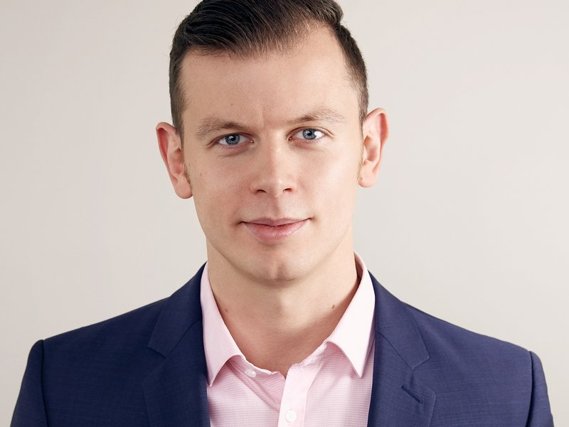 AleksanderLubarski_business.jpg