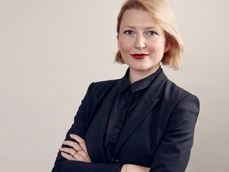 MonikaSpisak_business.jpg